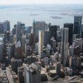 デイビット・アジャイにとってNYCでは初めてとなる超高層コンドミニアムのプロジェクトを公開。61階建て244の住戸が入り、プールや映画館等を備える