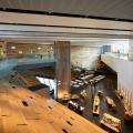 間もなくオープンを迎える隈研吾によるヴィクトリア&アルバートミュージアム ダンディの内観写真。スコットランドのデザインの業績300点を中心に展示される